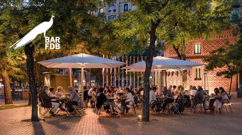 Terraza Bar Dentro Del Parque De La Fuente Del Berro